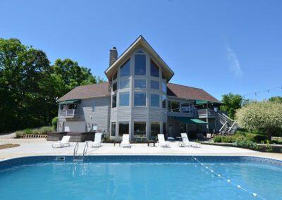 Blissful Ridge Lodge daytime pool view
