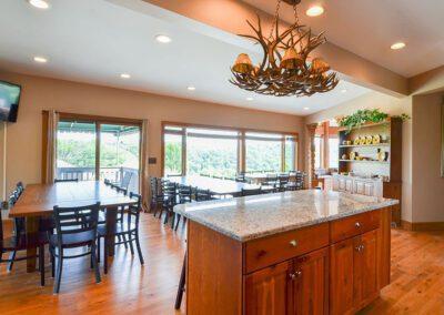 Blissful Ridge Lodge dining area