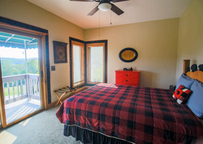 Bear bedroom in Blissful Ridge Lodge