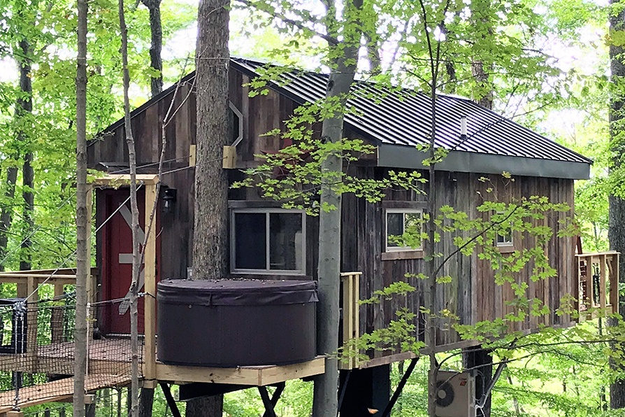 Buckeye Barn Treehouse exterior